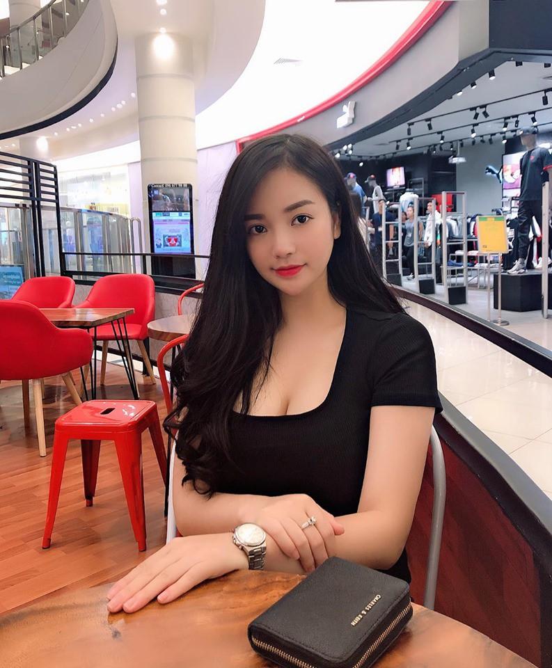 Hot girl ngực khủng sở hữu vòng một lên đến 108cm [SIÊU HOT]